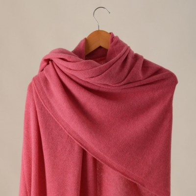 Cashmere-shawl-Rose-Travelwrap