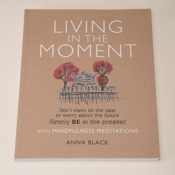 Living-in-the-moment-book-Anna-Black