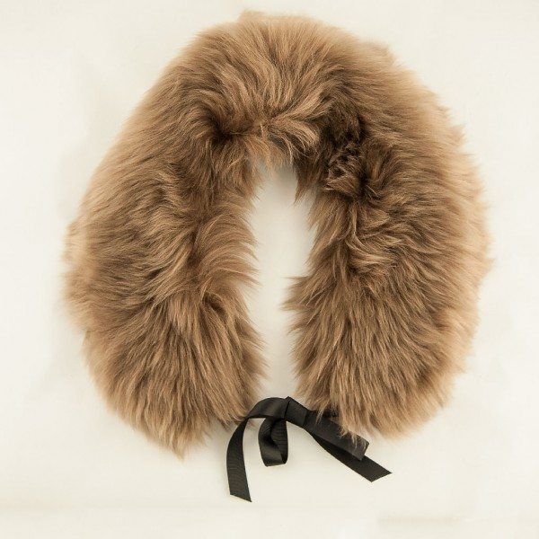 Sheepskin-collar-Paco-beige-Blanche-in-the-brambles