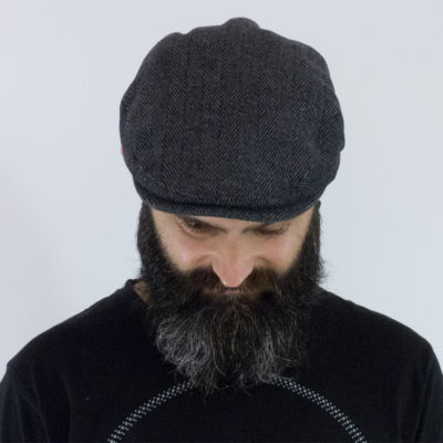 Tweed flat cap in grey herringbone
