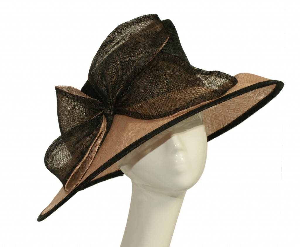 E/W sinamay hat with two tone bow trim
