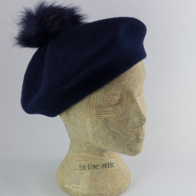 Beret with faux fur pom pom in navy